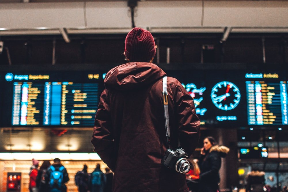 reizen-persoon-vliegveld